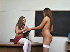 Смотреть порно училка белокурая оставила после уроков