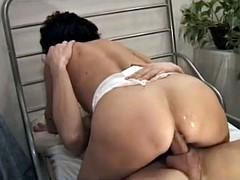 マリーナランパンティ:成熟した肛門