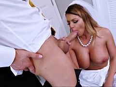 Невеста и оральный секс