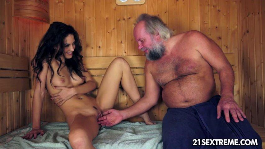 Русские Обнаженная Грудь Дед Порно