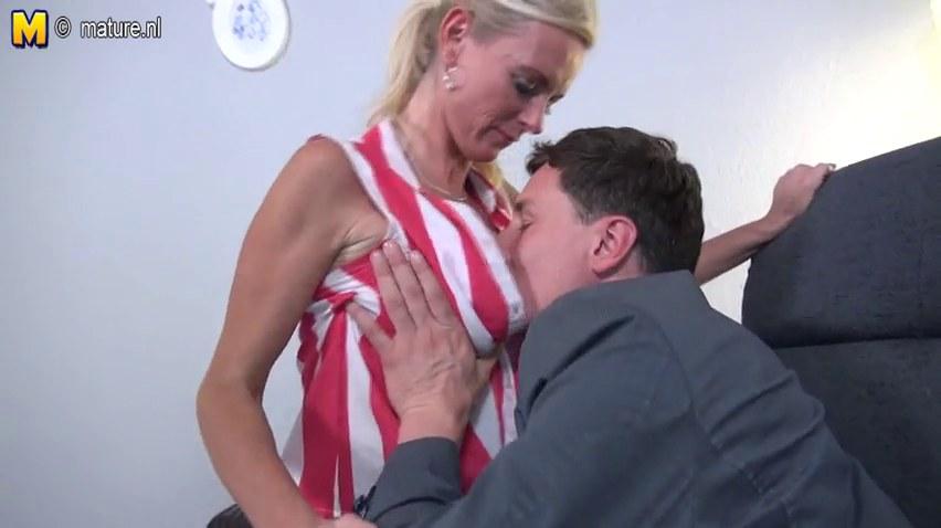 Zwei deutsche Milfs hart gefickt Porn Videos - TNAFLIX