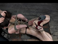 Beloved has a sexyes girl in the heavy bondage