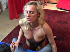 Lapdance, bj and 69 to the present cougar