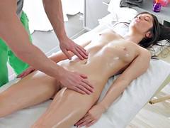 zvezda-nikol-porno-massazh-russkiy-v-troem-fallos-dve