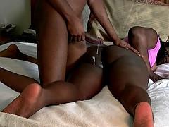 Ebony amateur babe gives her boyfriend a blowjob for breakfast
