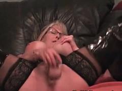 masturbatsiya-krasnie-sapogah