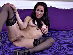 Milf brunette masturbating netherlands
