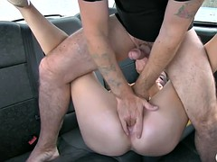 Beautiful blonde gives sexual award for cab driver