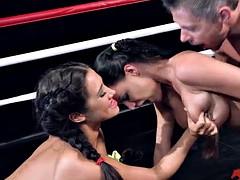 Порноролтки девушки на ринге