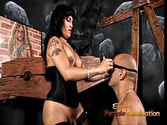 prostitutka-transseksual-v-sapogah-foto-kontaktah