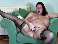 Bbw mature mother fingering her little pussy