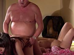 Секс в троем старые и молодые