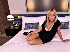 mature milf pussy creampie this gorgeous big tits blonde nympho