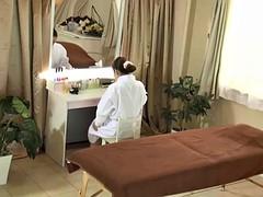 one-way mirror massage cuckold voyeur wife seduced by masseuse 03