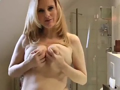 fantastic mature milf with perfect body loves huge creampie