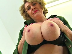 english milf camilla creampie pleasures her lady bits