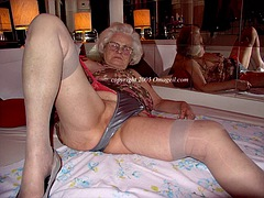 omageil collected sexy amateur granny pictures