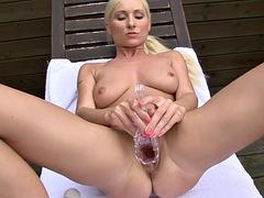 vanessa hell - mature vagina