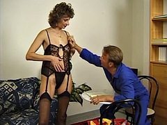 Lucky Pizza Delivery Guy Fucks Milf