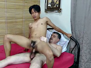 Feet licking mature gives blowjob and breeds skinny Asian
