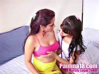 Paulina 18 lesbian pussy licking