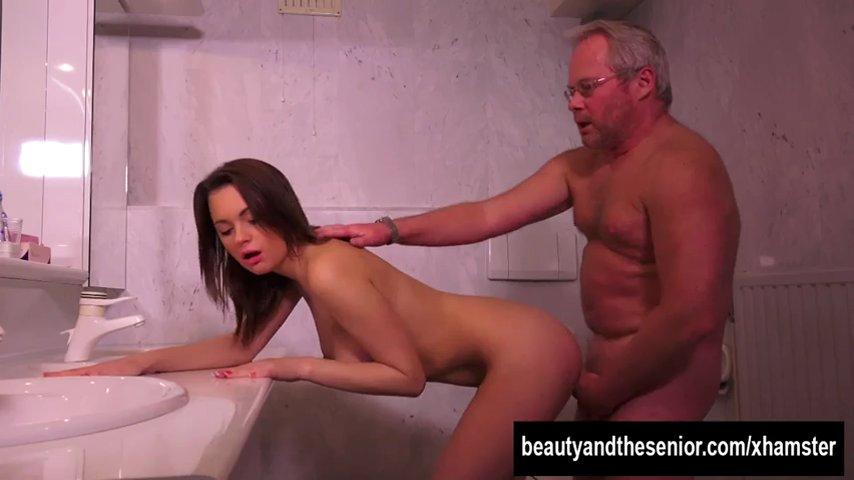 Hannah hays sucks and fucks in the shower