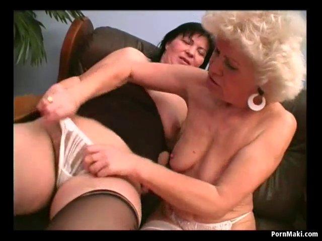 Lesbienne a grosse poitrine-2139