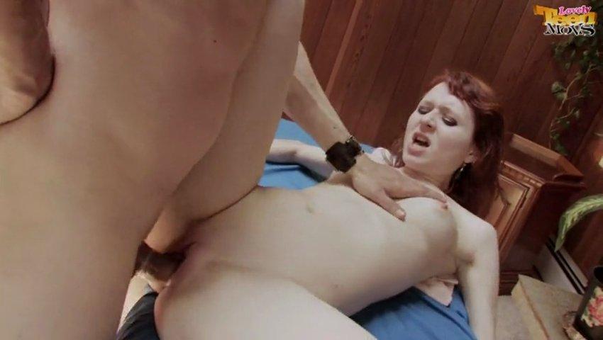 Эротика в горохе трахают видео муж подготавливает грудь