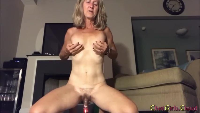 Frauenpenis Mopse Pantyhose Handjob